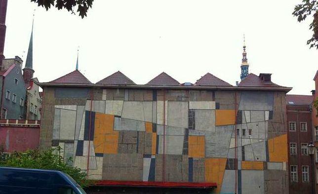 Zakończył się demontaż mozaiki Anny Fiszer. ''Ciągle szukamy nowej lokalizacji''