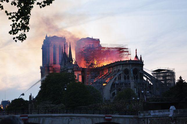 Pożar katedry Notre Dame. Świątynia w ogniu