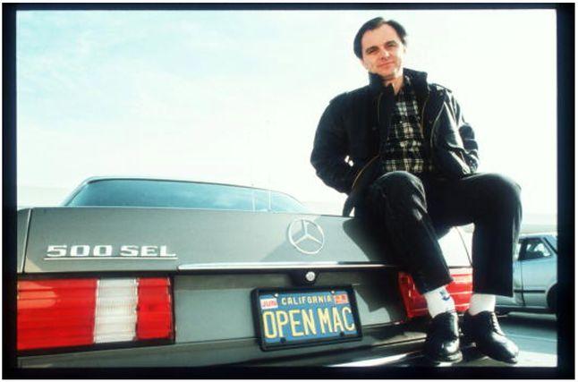 Jean-Louis Gassee, podobnie jak Steve Jobs, był fanem sportowych modeli Mercedesa.