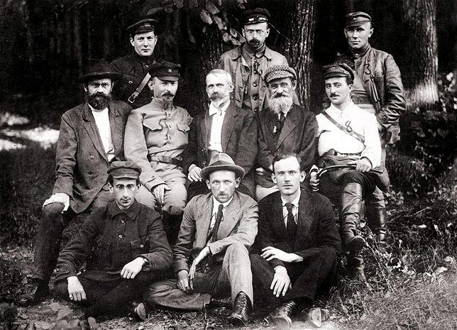 Polacy po stronie Lenina - Rewolucyjny Czerwony Pułk Warszawski