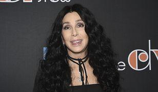 Cher doszła do kuriozalnych wniosków. Fani twierdzą, że zwariowała