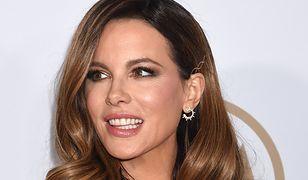 Kate Beckinsale lubi facetów w wieku swojej córki. Odpowiedziała na hejt