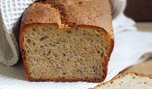 Jogurtowy chleb z czarnuszką