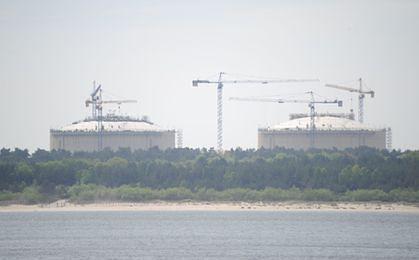 Próba wodna zbiorników terminala LNG w Świnoujściu