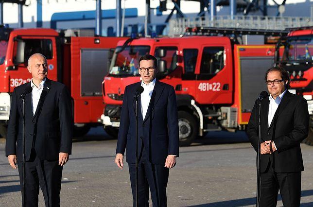 Politycy powitali strażaków wracających z akcji w Szwecji