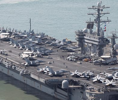 Lotniskowiec USS Nimitz podczas ćwiczeń w Korei Płd.