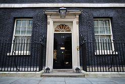 Zdjęcia z 10 Downing Street zalewają sieć. Coś tutaj jest nie tak
