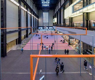 Hala Turbin w Tate Modern to miejsce, gdzie mieszczą się największe instalacje artystyczne