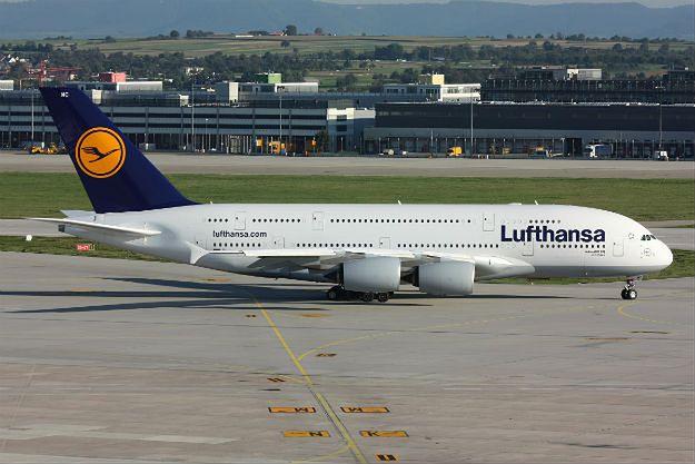 Lufthansa odwołała ponad 900 lotów zaplanowanych na środę