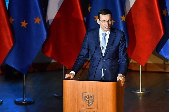 """Premier znów o pisaniu historii. """"Haniebna władza odpowiada za zbrodnicze czystki"""""""