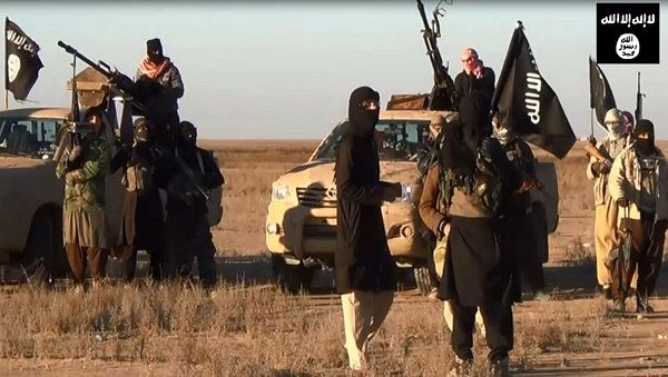 Kadr z wideo ukazującego rzekomych członków ISIL