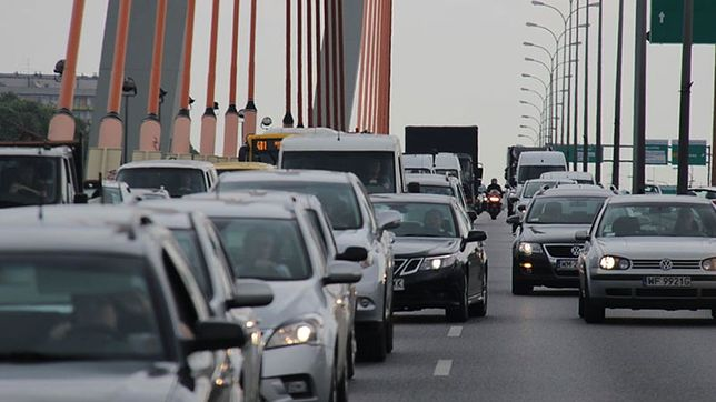 Wypadek na moście Siekierkowskim. Ogromne korki