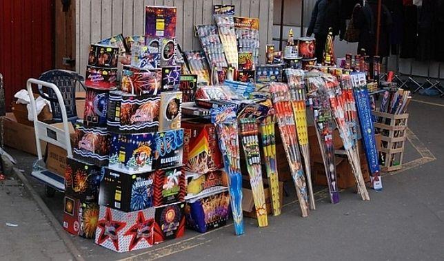 500 zł za odpalenie fajerwerków przed Sylwestrem. 2 lata za sprzedaż nieletnim