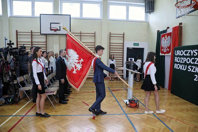 Pierwszy dzień szkoły 2019. Inauguracja w XXX LO w Warszawie