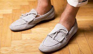 Buty gromadzą wiele niebezpiecznych dla nas bakterii.