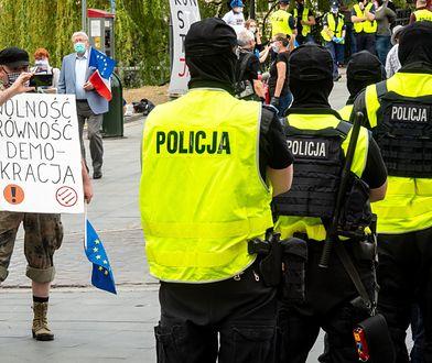 """Bydgoszcz, 09.05.2020. """"Spacer z Konstytucją"""" zorganizowany przez Obywateli RP"""