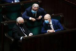 """Bartosz Arłukowicz o najnowszym sondażu. Podzielił się """"plotkami"""" z Sejmu"""