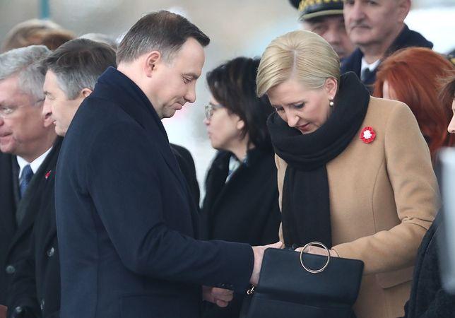 Polacy uważają, że Andrzej Duda powinien powstrzymać się z poszukiwaniem 2 mld dolarów. Ameryka też powinna się dołożyć.