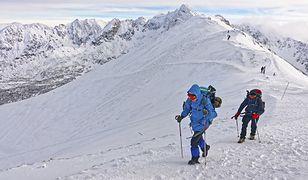 Jedne z najgorszych błędów, jakie popełniają turyści w górach, to m.in. nieodpowiednie przygotowanie czy lekkomyślność.