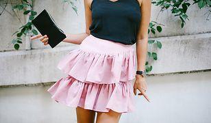 Spódnice z falbanami mogą być też krótkie