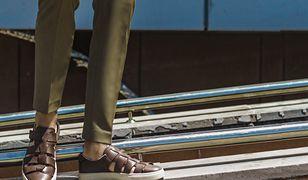 Męskie sandały. Jak modnie nosić je latem