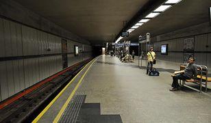 Metro przecieka. Na stacji Politechnika pojawiły się zacieki