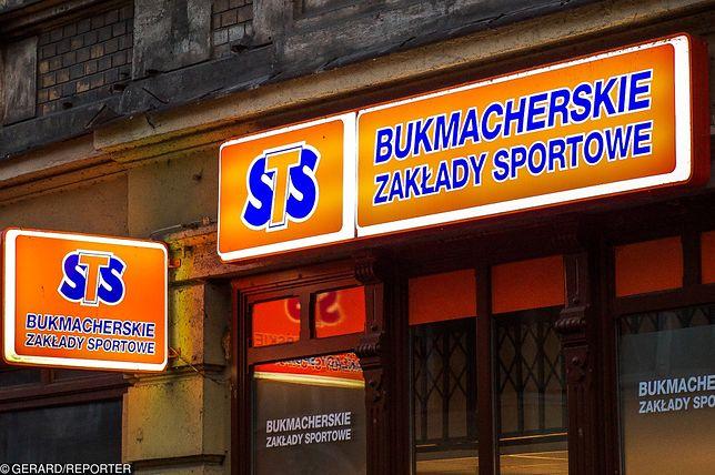 Star-Typ-Sport, znany w Polsce po prostu jako STS, to największa legalna firma bukmacherska w Polsce.