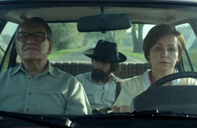 """""""Ostatnia rodzina"""": sama prawda czy stek kłamstw o rodzinie Beksińskich? Kontrowersje wokół filmu"""