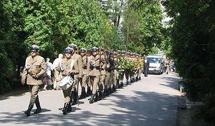 Umorzono śledztwo w sprawie zakłócania porządku na pogrzebie gen. Jaruzelskiego