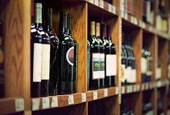 Polacy piją coraz więcej wina, ale unikają promocji