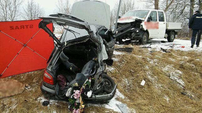 """Zniknął znak """"24 ofiary śmiertelne, 50 rannych"""". Załuski, przeklęty cmentarz kierowców"""