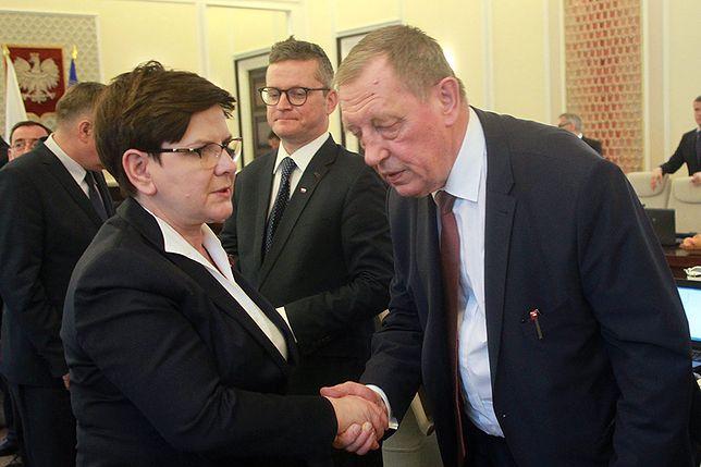 """""""To trudna odpowiedź, kim jest córka leśnika i co było w kopercie"""". Polacy muszą poczekać"""