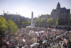 Holendrzy maszerowali ulicami Amsterdamu. Nie chcą obostrzeń