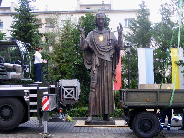 Przywiezienie do Poznania figury Jezusa kosztowało Ministerstwo Obrony Narodowej 43 tys. zł