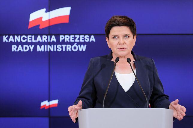 Była premier Beata Szydło żegna się z KPRM. W czasie swojego wystąpienia przypomniała, że dotrzymywała obietnic wyborczych.