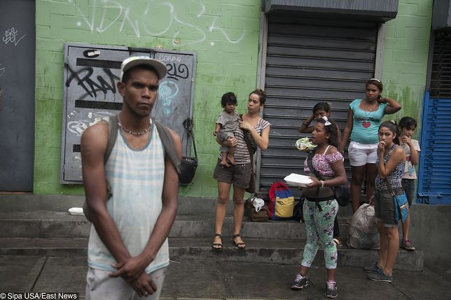 Wenezuela, czyli dwa dolary za miesiąc pracy. Ale możesz za to kupić sześć cystern benzyny