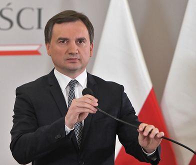 Zbigniew Ziobro zaprzeczył, że publiczny rejestr pedofili ma chronić księży