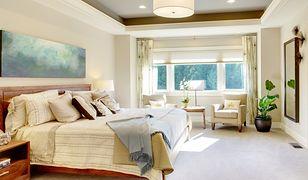 Jak urządzić przytulną sypialnię? Cenne rady