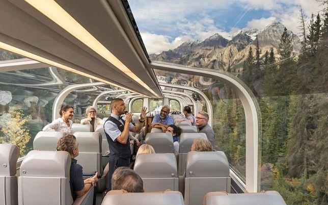 Szklany pociąg, który pozwala podziwiać piękne widoki. Jedzie przez kanadyjskie góry