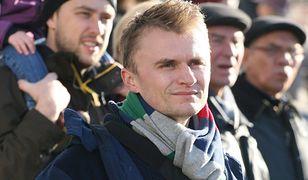 """Piotr Jacoń ma transpłciową córkę. Opowiada o """"ważnym SMS-ie"""""""