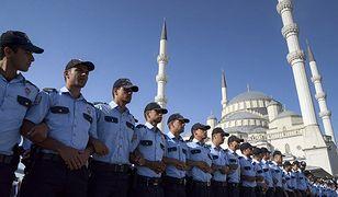 Turcja zwolniła z więzień ponad 33,8 tys. osadzonych. Tak robi miejsce dla zatrzymanych po nieudanym puczu