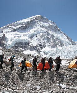"""""""Pochowani w niebie"""": prawdziwa historia mieszkańców wysokich gór"""