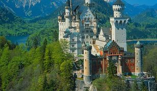 Neuschwanstein - magiczna atrakcja Niemiec