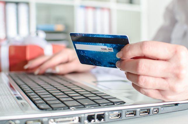 """Credit Agricole również wprowadził """"wakacje kredytowe"""" - do sześciu miesięcy"""
