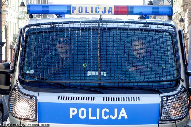 Kobieta uciekała przed policjantami. Padły strzały