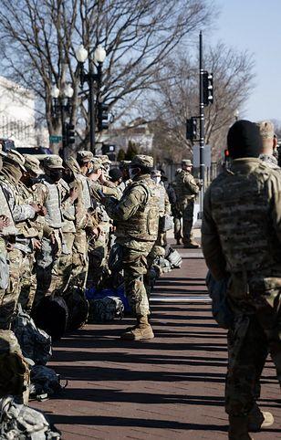 Próba inauguracji Bidena przełożona. Coraz więcej żołnierzy w Waszyngtonie
