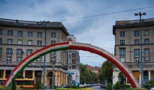 Tęcza w kolorach flagi Polski? Albo w barwach polsko-węgierskich?