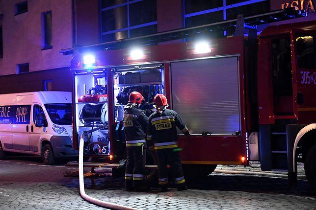 Białołęka. Ogień przy ul. Podłużnej. (zdjęcie ilustracyjne)