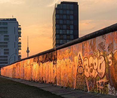 Mur Berliński - kiedy i dlaczego powstał, kiedy runął. Co warto wiedzieć o Murze Berlińskim?