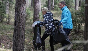 Andrzej Duda i Agata Korhauser-Duda podczas sprzątania Puszczy Białej